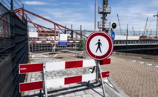 Burgemeester Dales van Velsen stuurt Rijkswaterstaat een brief op poten: 'Nieuwe langdurige afsluiting sluizenroute accepteren we niet'