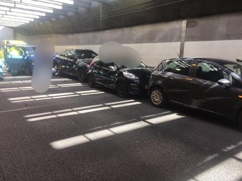 Coentunnel deels afgesloten door groot ongeluk