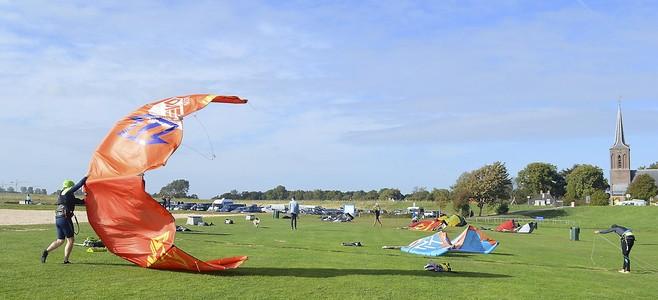 Eigen strandje bij Schellinkhout voor kitesurfers