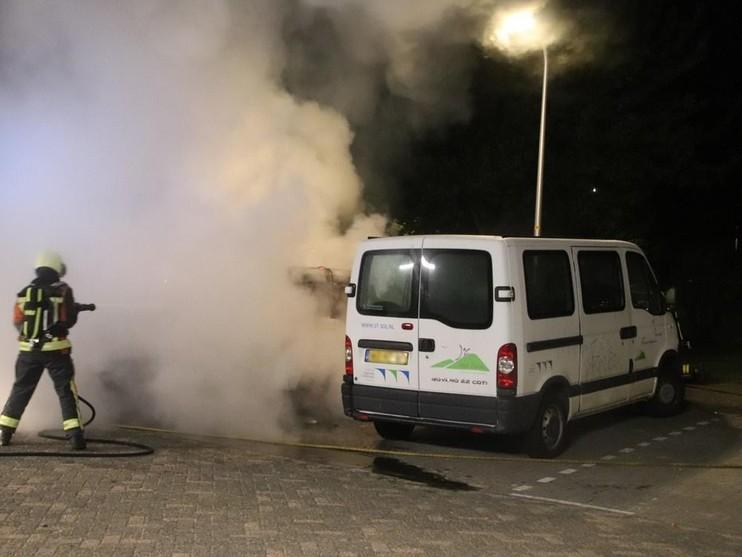 Bestelbussen branden uit in Noordwijk