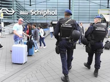 Verdachte in groot witwasonderzoek aangehouden op Schiphol