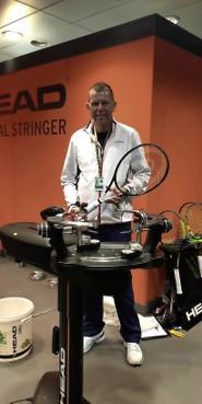 Racket-bespanner Edwin Gruijs kent de geheimen van Kiki Bertens en Novak Djokovic