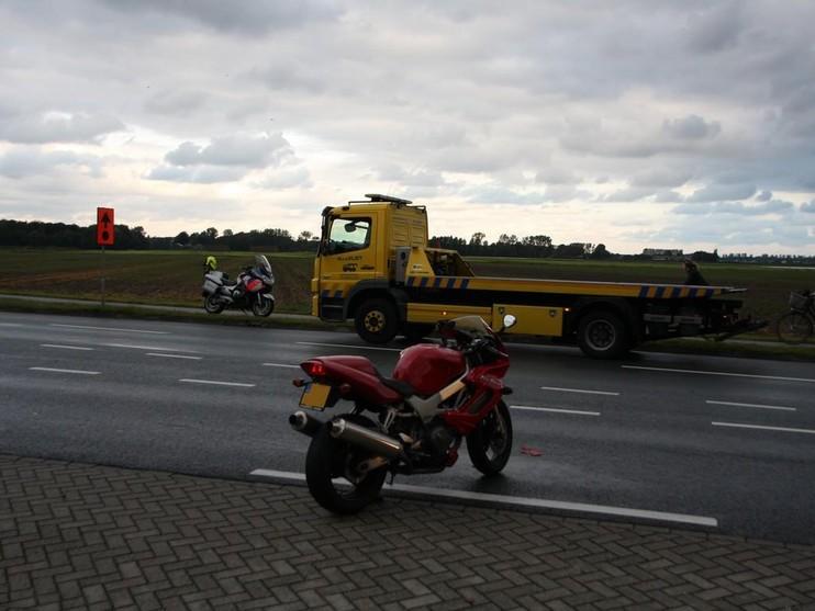Motorrijder raakt gewond bij aanrijding op N208 in Lisse