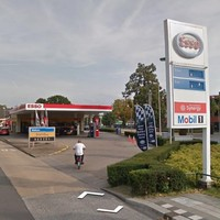 Het tankstation aan de Soestdijkerstraatweg.