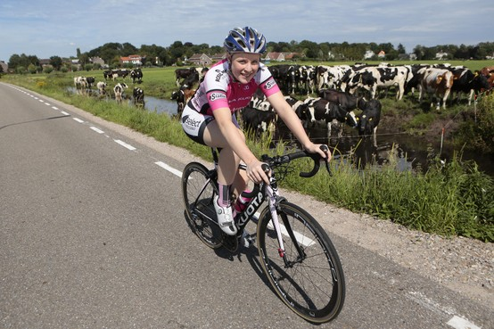 Wielrennen: Kortenhoefse Charlotte Kool laat zich opnieuw zien tussen de profs en lijkt klaar voor de Ronde van België