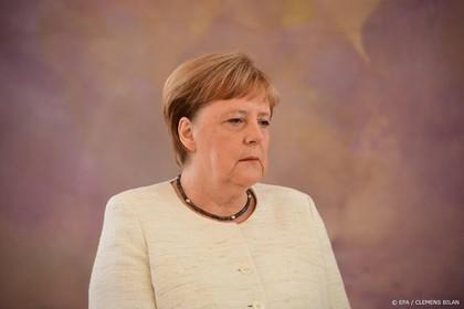 Opnieuw een bevende Angela Merkel