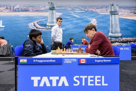 Meester Carlsen volgt jongste deelnemer Tata Steel Chess