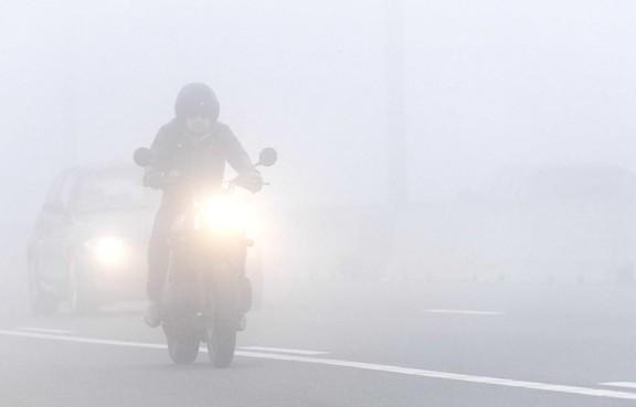 Dichte mistbanken in Zuid-Holland