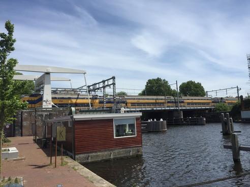 Verkeer in Haarlem moet omrijden door werk aan spoorbruggen over Friese Varkenmarkt en Voormalige Oudeweg