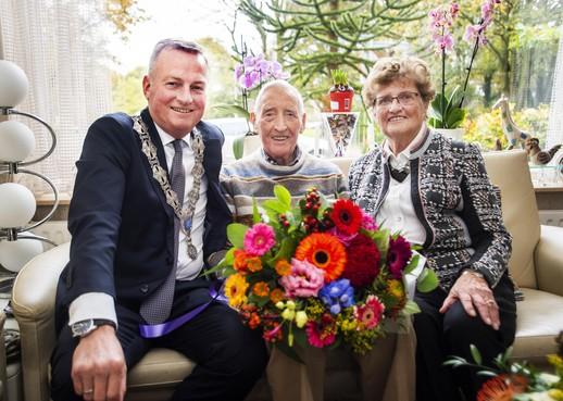 Echtpaar Bierling uit Driehuis viert 70-jarig huwelijk: 'We hebben elkaar nooit willen inruilen'