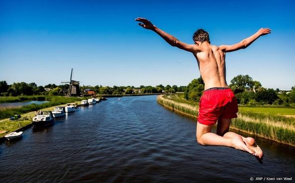 'Zwem niet bij bruggen en sluizen'