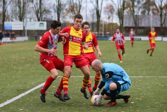 De Zouaven wint eenvoudig van HSV
