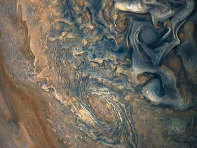 Kolkend Jupiter vol diepe wervelstormen [video]