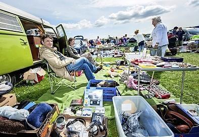 15e kofferbakmarkt Wijk aan Zee: 'Vorig jaar had ik een piek met een dag waarop er 320 auto's waren'