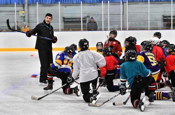 Nieuwkomer Alcmaria Flames is in een paar jaar tijd 'een naam' geworden in het ijshockey [video]