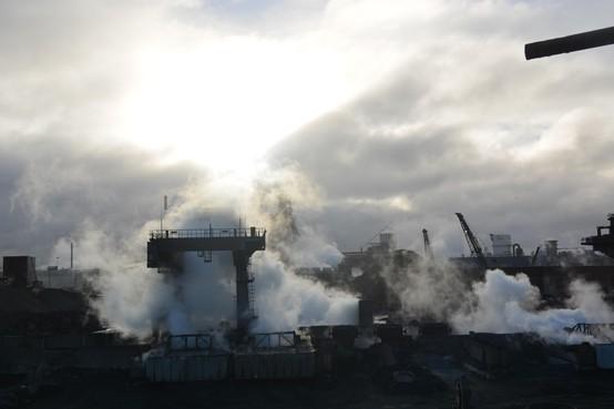 Wijk aan Zee wil hulp van premier Rutte tegen milieuvervuiling Tata Steel en Harsco