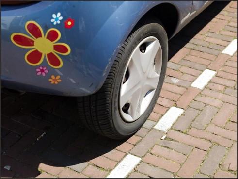 Parkeercontrole bij schoolvoetbal in Assendelft