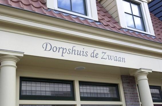 Raad Uitgeest laat onderzoeken los op goed draaiend dorpshuis De Zwaan