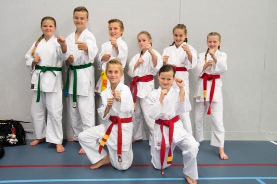 Karateschool Samurai Julianadorp met vijftien medailles terug van Open Dutch TTF