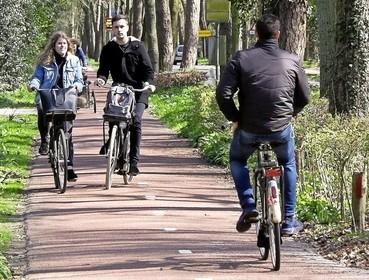 Plan voor tweede fietspad Eeuwigelaan Bergen is terug