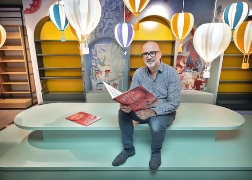 De verbouwde Boekhandel Blokker gaat dinsdag weer open in Heemstede: 'Het moest meer eigentijds worden, met een knus huiskamergevoel'