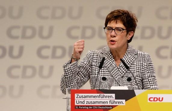 Annegret Kramp-Karrenbauer nieuwe leider CDU