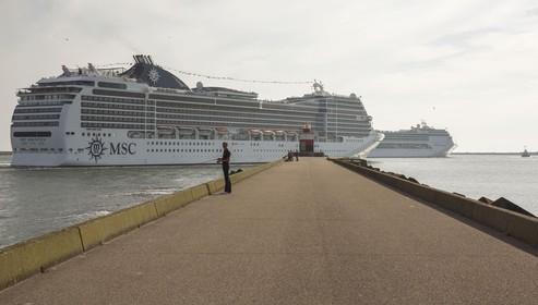 Cruiseschepen blijven weg uit Amsterdam, IJmuiden en Rotterdam profiteren
