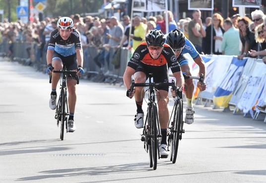 'Herintreder' Jorne Videler wint na tweede plek in 1999 toch Tour de Waard