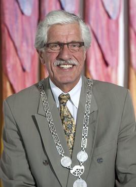 Oud-burgemeester Enno Brommet overleden