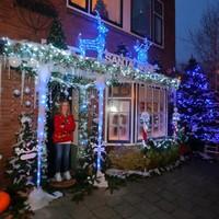 Wilma Stikkelorum gaat de uitdaging voor het mooiste kersthuis aan.