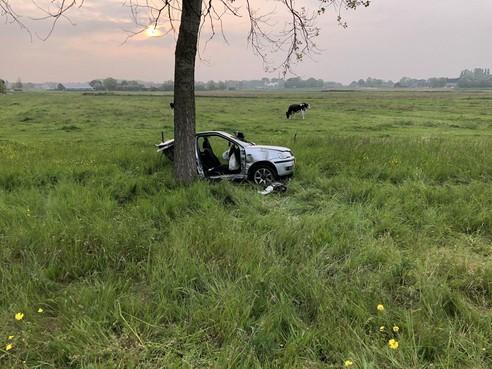 Monteurs denken dat verongelukte auto op A9 uit aan elkaar gelaste stukken bestond: 'Dat moet een zagertje zijn'