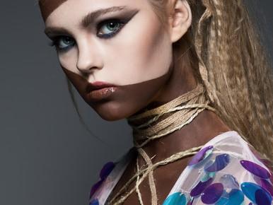 Ophef bij Make-up Awards: Blackface en racisme of een mooi, artistiek beeld?