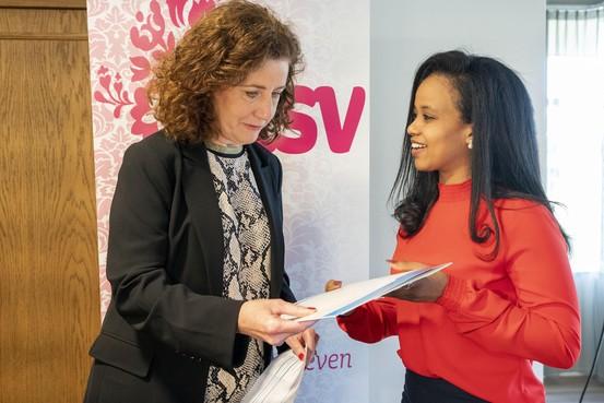 Diploma Verzorgende IG voor Katwijkse statushouders:'Voel je hier welkom en gewenst'