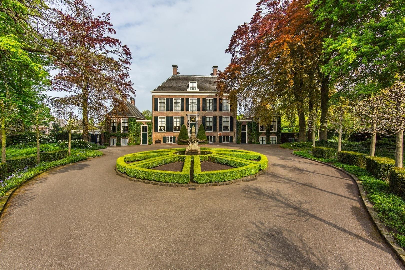 Stichting Oud Sassenheim presenteert boek over Oude Koningsh... - Leidsch Dagblad