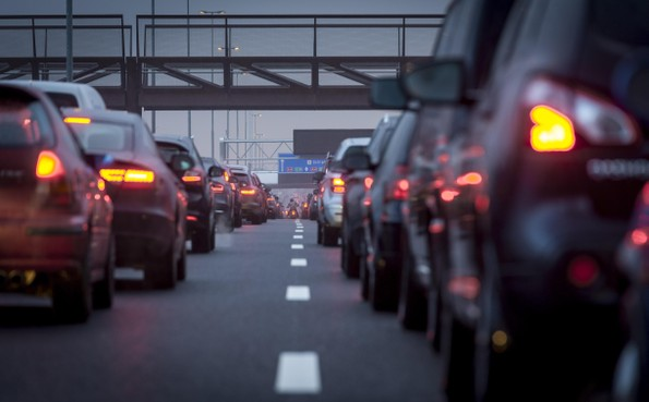 Lange files rond Schiphol verwacht tijdens ov-staking