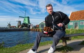 Patrick de Vries van gehaktballenbedrijf Saense Balle krijgt het steeds drukker.