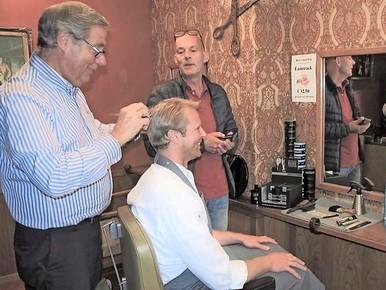 Naar de kapper voor brood en vlees in Wassenaar