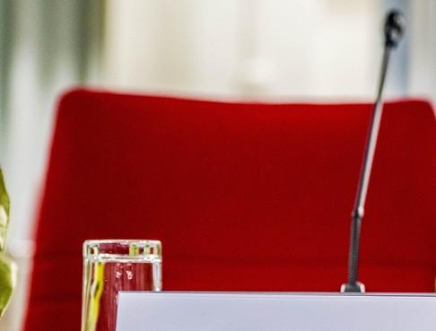 Raad Blaricum glijdt soepeltjes door mega-agenda en 27 moties en amendement
