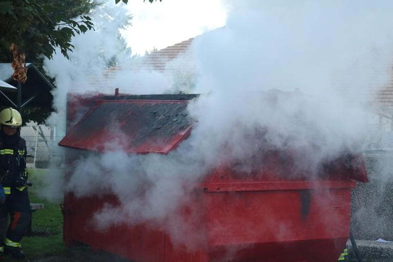 Veel rook bij brand op terrein van woonzorgpark in Noordwijk