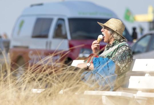 Zandvoortse strandseizoen van start: zoeken naar een parkeerplek
