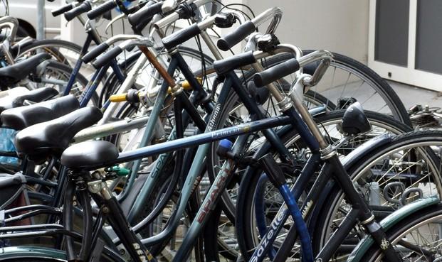 Extra ruimte voor fietsen bij station Lammenschans