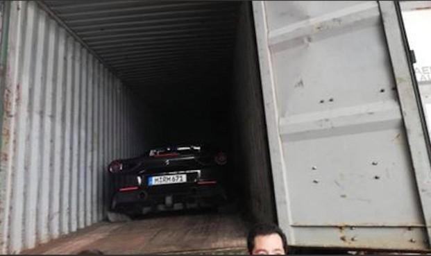 In Alphen gestolen Ferrari weer gevonden