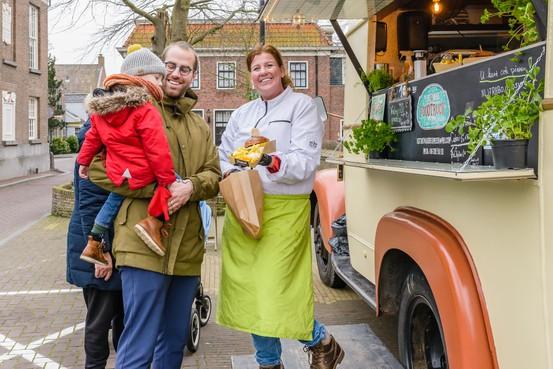 Foodtruck Astrid van der Meer op Kerkbuurt in Westzaan én HoogTij, kok werkt ook aan kookboek