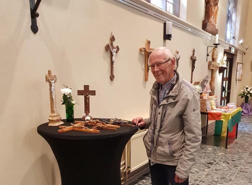 Castricummer (83) zet kruisbeelden in de aanbieding