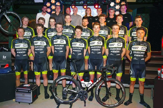 Monkey Town - à Bloc Cycling Team wil wielrenners afleveren in de World Tour