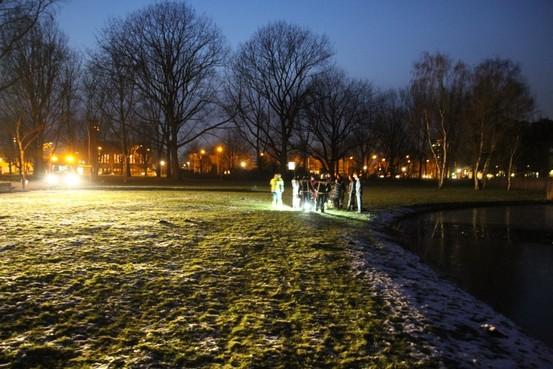 Hondje zakt door ijs en overlijdt in Zaandam