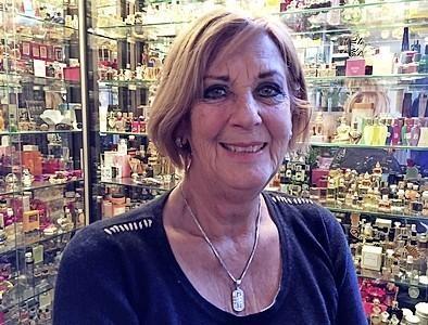 Nederlands Parfumflessenmuseum in Winkel stopt na bijna dertig jaar