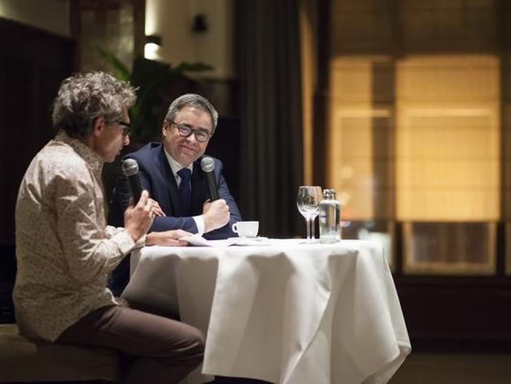 Frenk van der Linden (links) hier in debat met Jos Wienen, straks met politici.