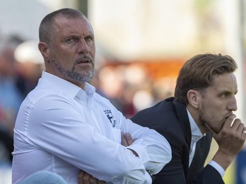Bekritiseerde Spakenburg-trainer en Leidenaar John de Wolf blijft ook na beschamend verlies strijdvaardig: 'Het team herbergt echt genoeg kwaliteit'
