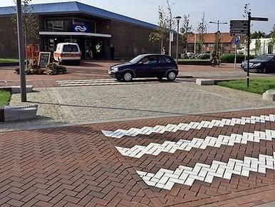 GroenLinks eist geleidelijnen voor blinden op stationsplein Den Helder